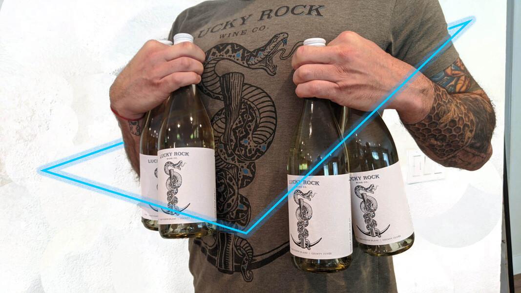 Sip N' Style Sauvignon Blanc Gift Set