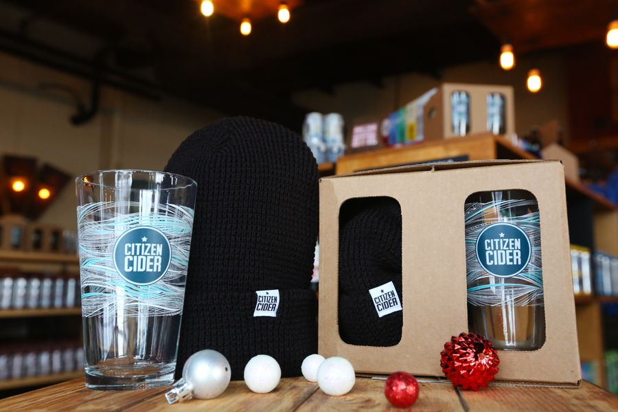 The Excidered Citizen - hat & pint set