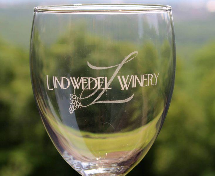 Logo Stem Wine Glass