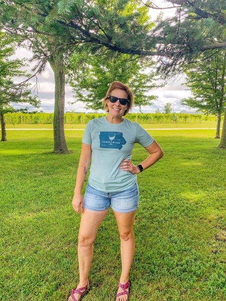 Blue Iowa Wine T-Shirt LARGE