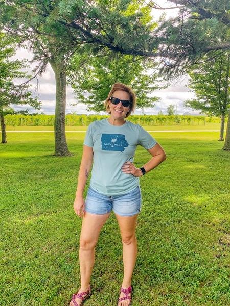 Blue Iowa Wine T-Shirt SMALL